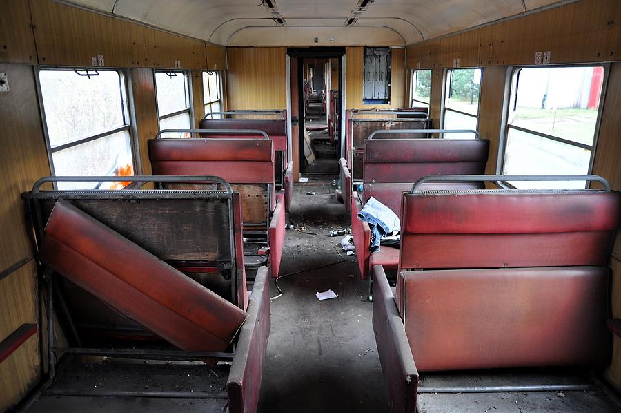rozwalony pociąg