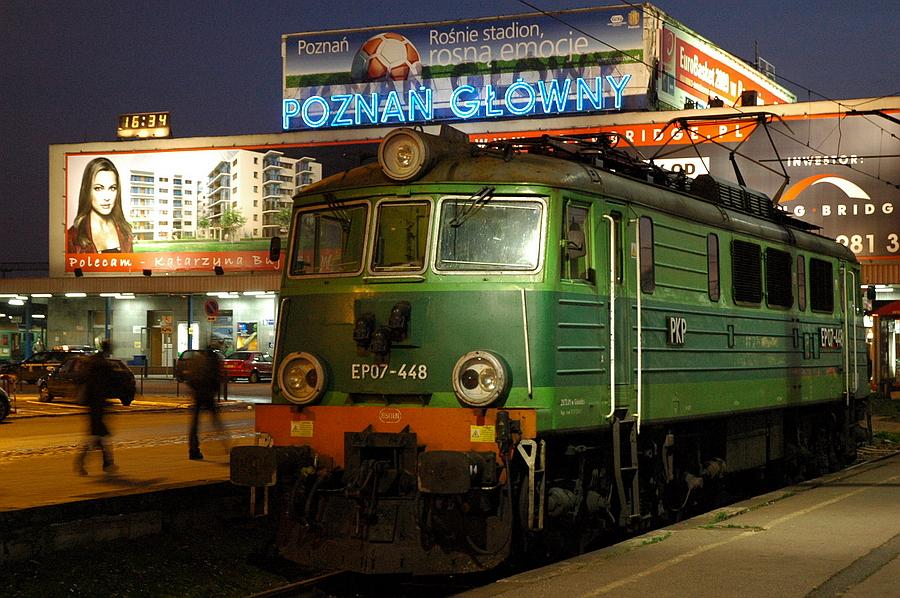 poznan-glowny-neon