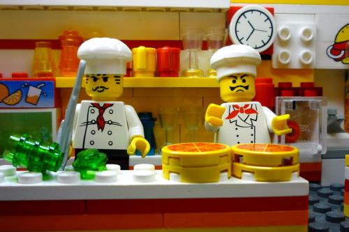 LEGO PIZZERIA INSIDE